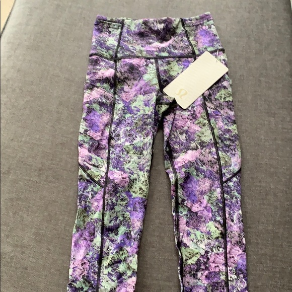 lululemon athletica Pants - Lululemon fast and free crop II leggings